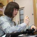 1000丁以上の銃を整備してきた女性ガンスミス・高橋七海さん(24)
